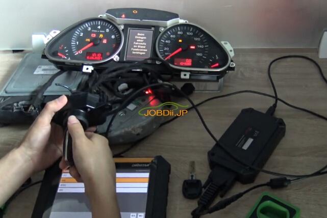 obdstar-x300-dp-audi-a6l-key-2