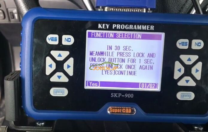 skp900-program-new-toyota-corolla-h-chip-remote-key-10