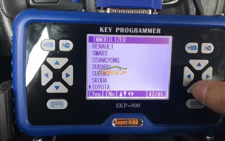 skp900-program-new-toyota-corolla-h-chip-remote-key-2